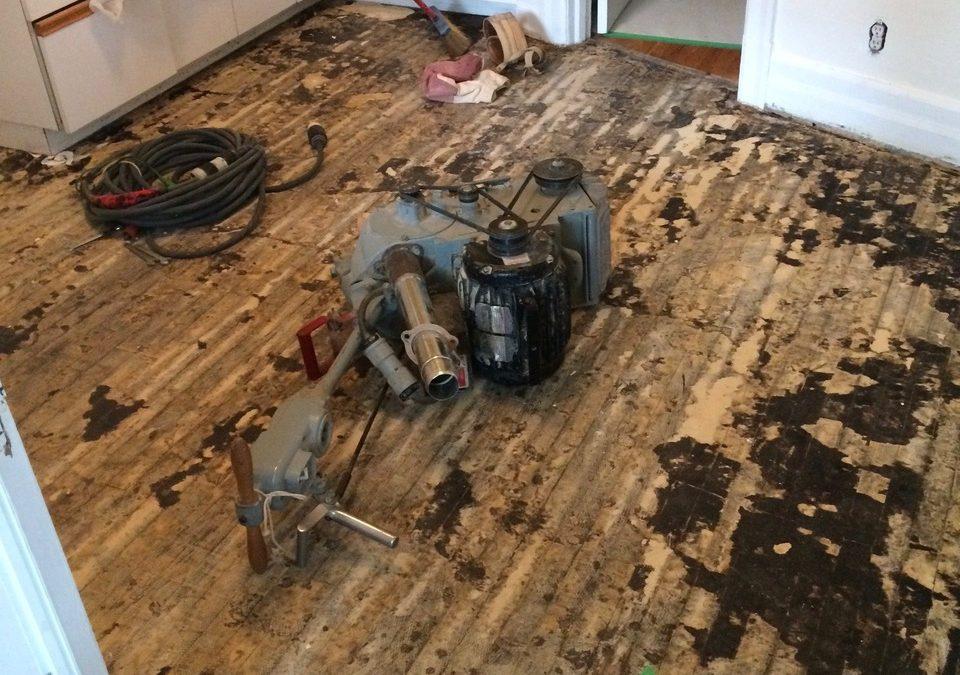 Transformation d'un plancher de bois franc à Montréal